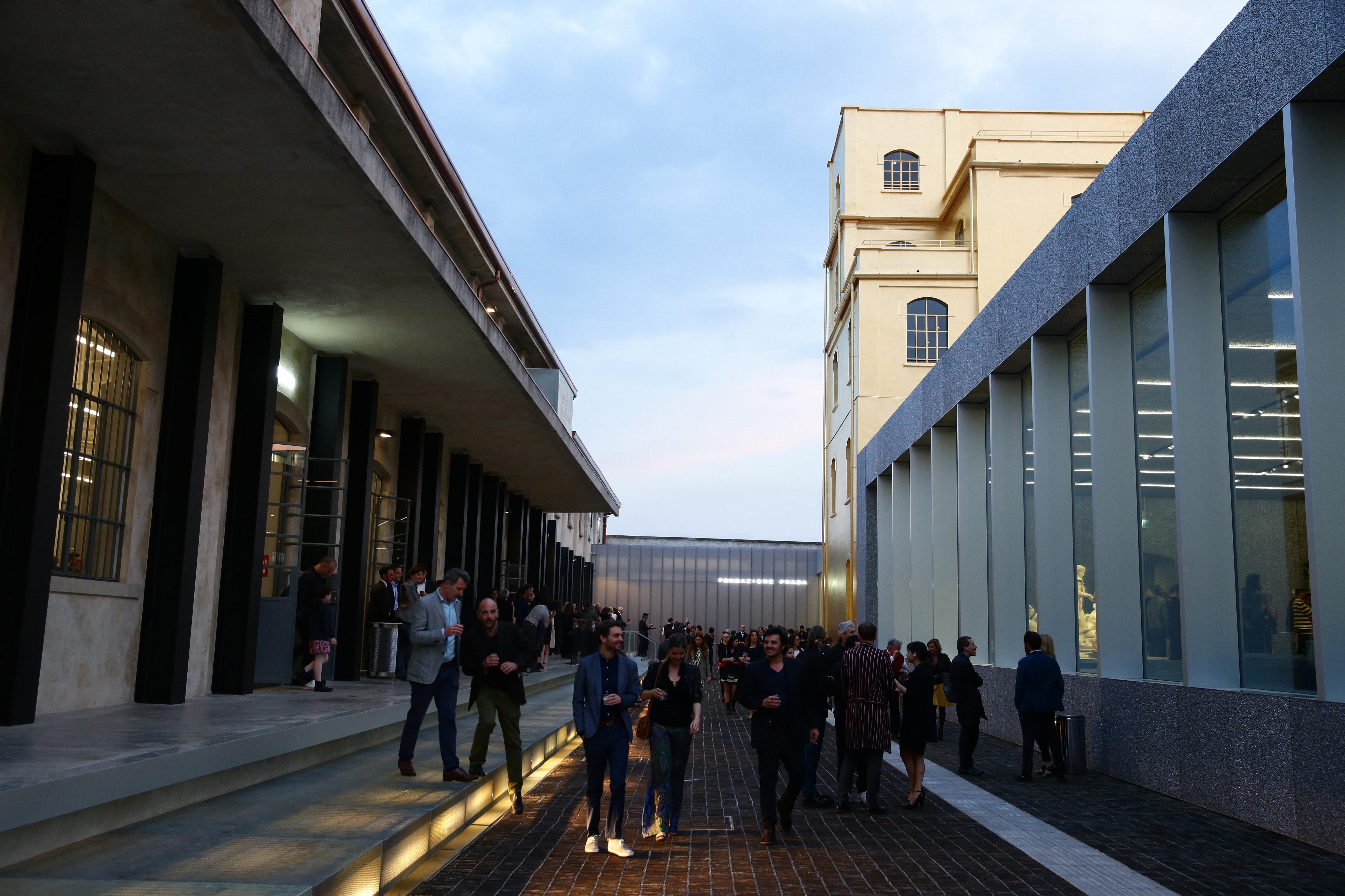 Fondazione prada apertura straordinaria e gratuita for Largo isarco 2 milano
