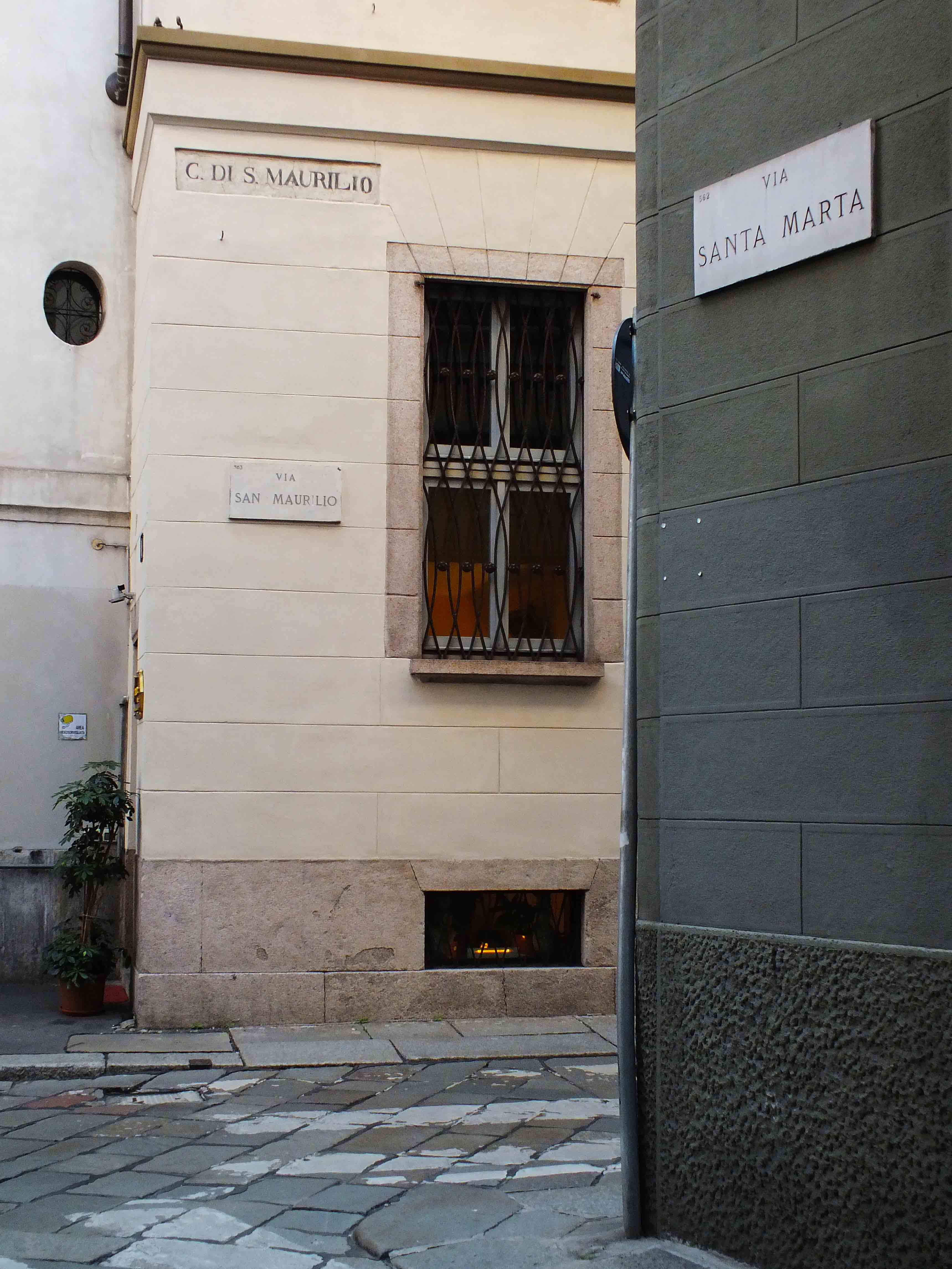 Via San Maurilio Milano 5vie art+design | itinerary | fuorisalone.it