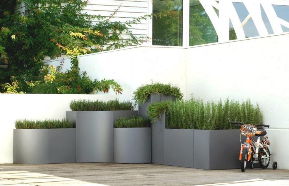 BLOSS: sistema terrazzo, non solo fioriere   Fuorisalone.it